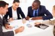 פגישה לגבי הלוואה לעסק - הלוואות לעסקים