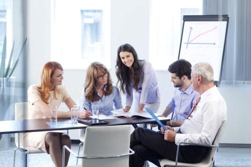 ישיבת צוות לגבי לקיחת משכנתא בטוחה