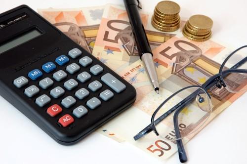 מחשבון, כסף ומשקפיים - מחשבים את הריבית