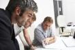 שלושה בחורים מחפשים אופציה להלוואה
